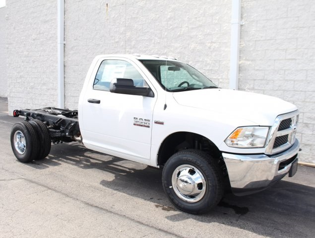2018 Ram 3500 Regular Cab DRW 4x4,  Cab Chassis #DR8328 - photo 3