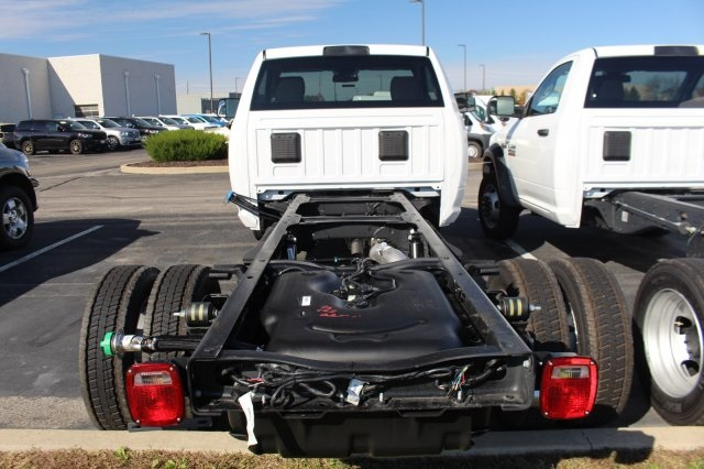 2018 Ram 4500 Regular Cab DRW 4x4,  Cab Chassis #DR8479 - photo 2