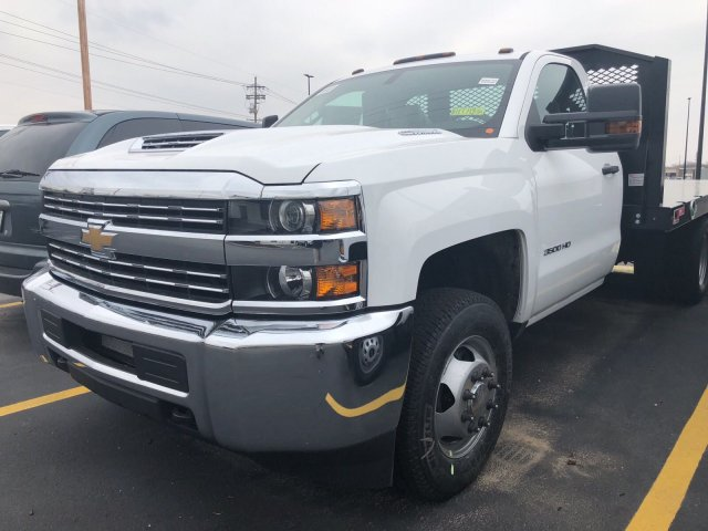 2018 Silverado 3500 Regular Cab DRW 4x4,  Monroe Platform Body #C181371S - photo 3
