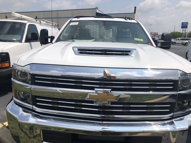 2018 Silverado 3500 Regular Cab DRW 4x4,  Knapheide Platform Body #C181747S - photo 3