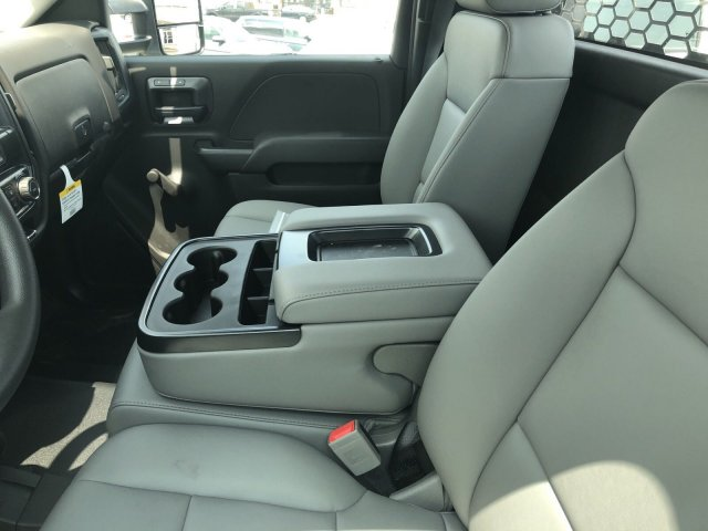 2018 Silverado 3500 Regular Cab DRW 4x4,  Knapheide Platform Body #C181747S - photo 5