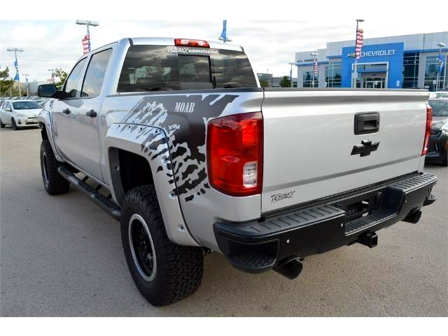 2017 Silverado 1500 Crew Cab 4x4, Pickup #HG141717 - photo 2