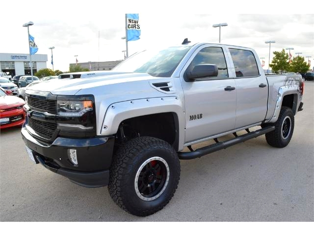 2017 Silverado 1500 Crew Cab 4x4, Pickup #HG141717 - photo 4