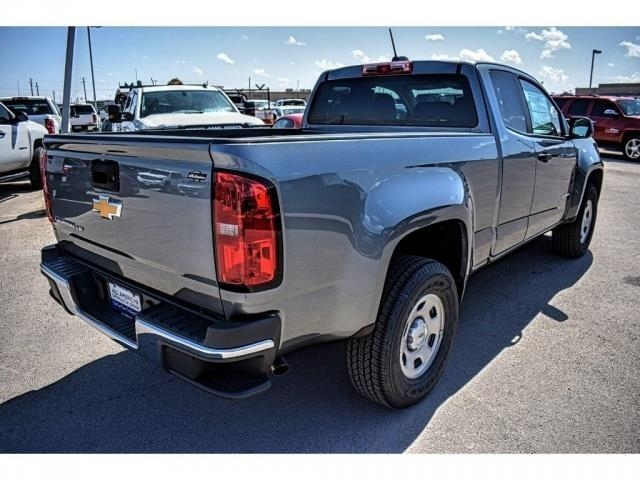 2018 Colorado Extended Cab, Pickup #J1233611 - photo 2