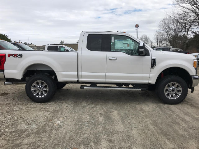 2017 F-250 Super Cab 4x4, Pickup #174286 - photo 3