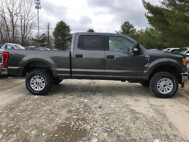 2017 F-250 Crew Cab 4x4, Pickup #174290 - photo 4