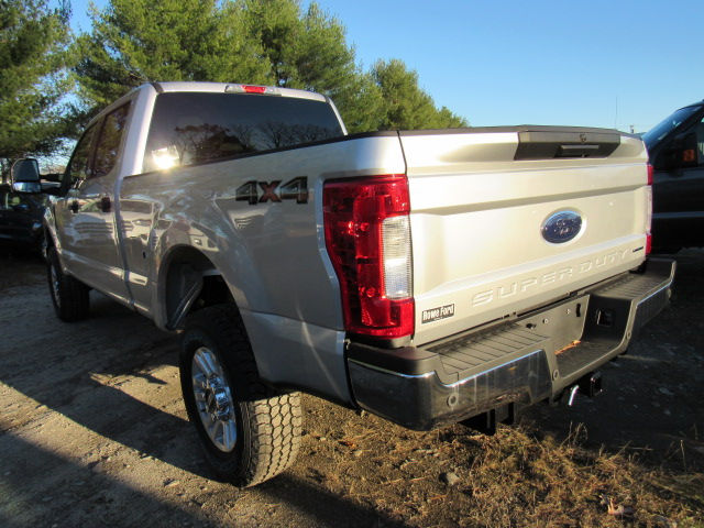 2017 F-250 Crew Cab 4x4, Pickup #179545 - photo 6