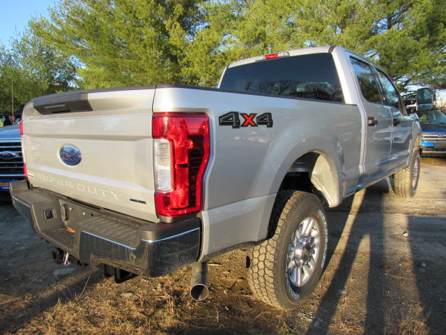 2017 F-250 Crew Cab 4x4, Pickup #179545 - photo 2