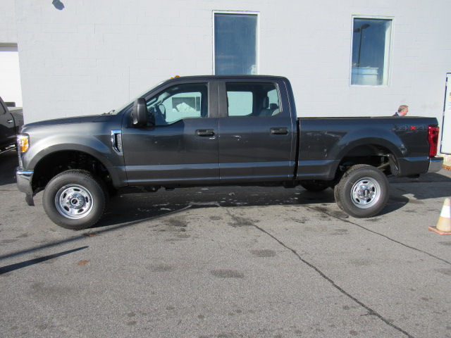 2017 F-250 Crew Cab 4x4, Pickup #179567 - photo 4