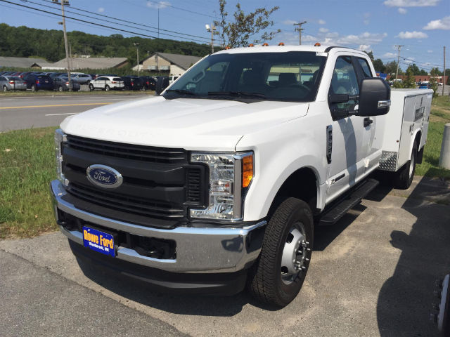 2017 F-350 Super Cab DRW 4x4, Reading Classic II Steel Service Body #179698 - photo 3