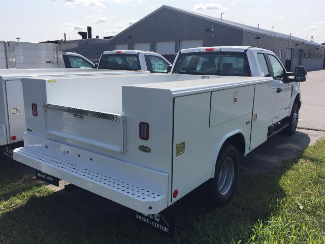 2017 F-350 Super Cab DRW 4x4, Reading Classic II Steel Service Body #179698 - photo 2