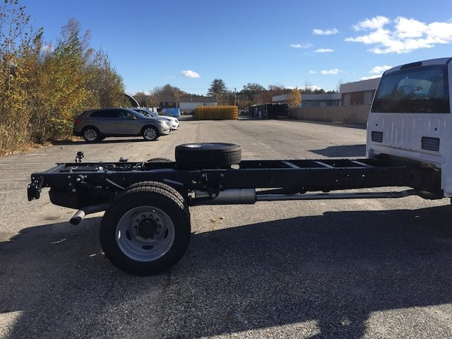 2017 F-550 Regular Cab DRW Cab Chassis #179701 - photo 5