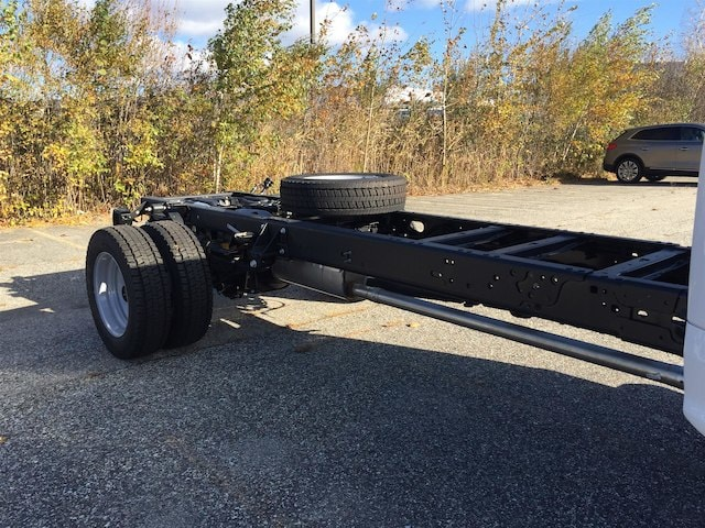2017 F-550 Regular Cab DRW Cab Chassis #179701 - photo 6