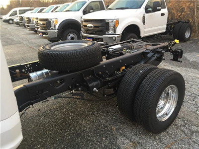 2017 F-350 Regular Cab DRW 4x4 Cab Chassis #179705 - photo 7