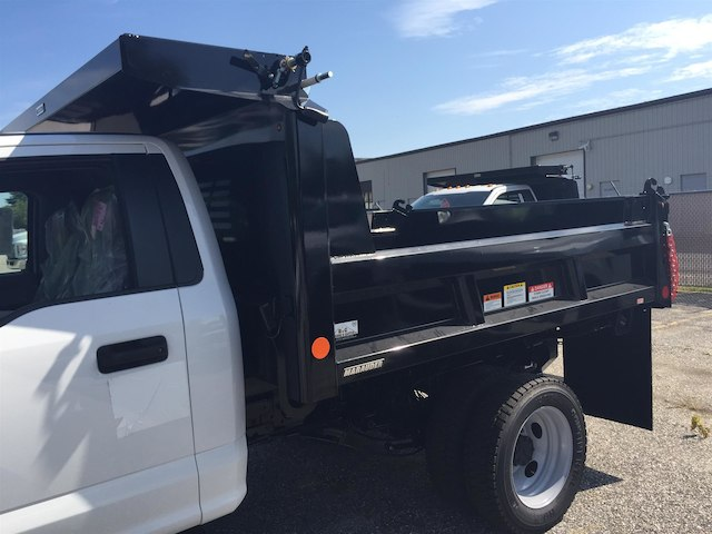 2017 F-550 Regular Cab DRW 4x4, Reading Dump Body #179712 - photo 7