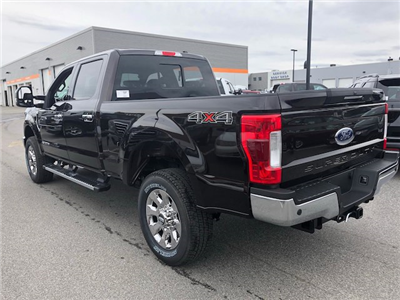 2018 F-250 Crew Cab 4x4, Pickup #184580 - photo 4