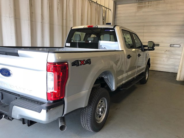 2018 F-250 Crew Cab 4x4,  Pickup #184649 - photo 2