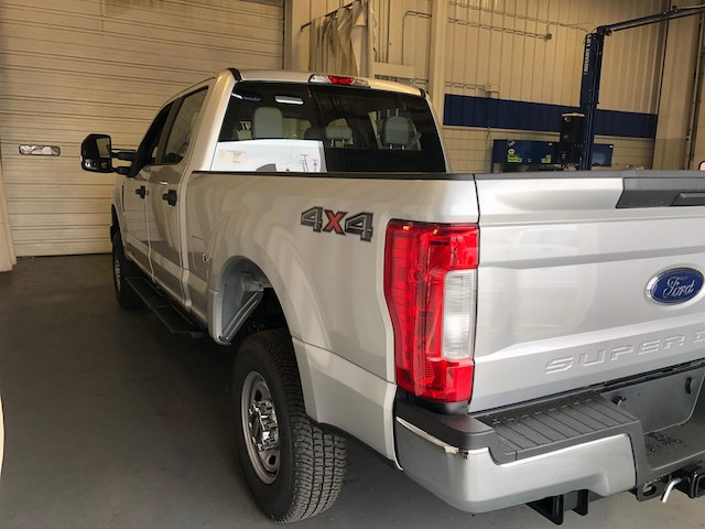 2018 F-250 Crew Cab 4x4,  Pickup #184649 - photo 5
