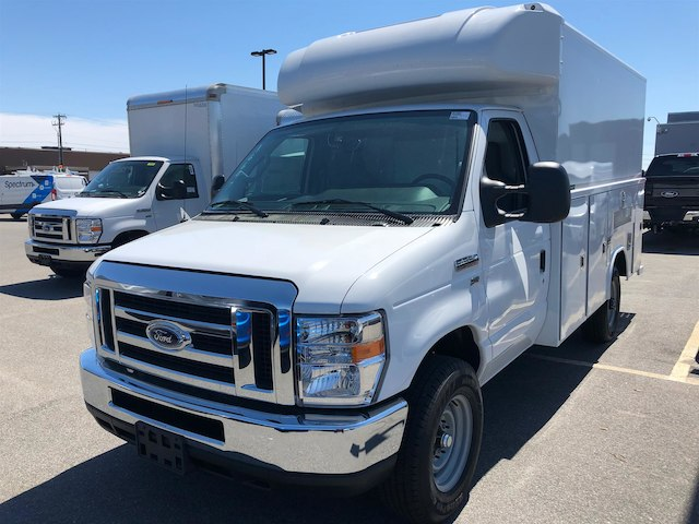 2018 E-350, Reading Service Utility Van #189155 - photo 4