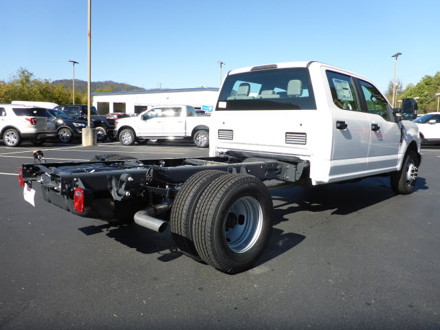2017 F-350 Crew Cab DRW Cab Chassis #35217P - photo 2