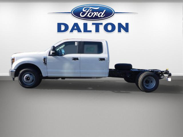 2018 F-350 Regular Cab DRW, Cab Chassis #B03663 - photo 12