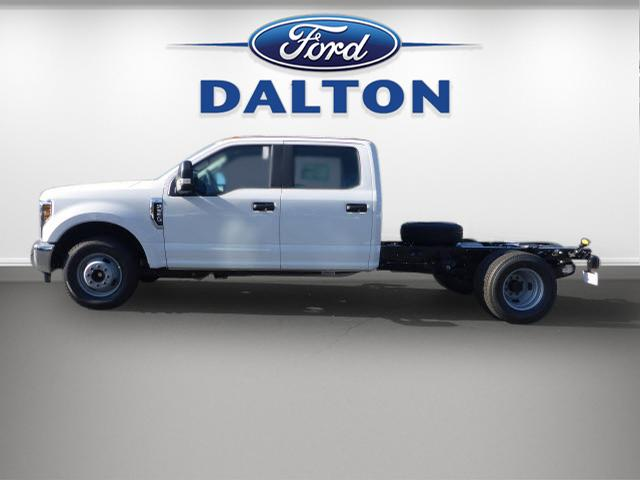 2018 F-350 Crew Cab DRW, Cab Chassis #B03664 - photo 12