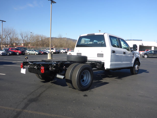 2018 F-350 Crew Cab DRW, Cab Chassis #B03664 - photo 2