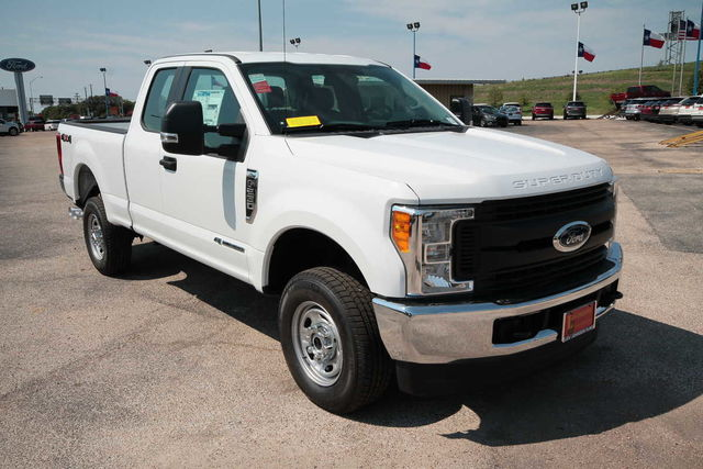 2017 F-250 Super Cab 4x4 Pickup #7255147 - photo 4