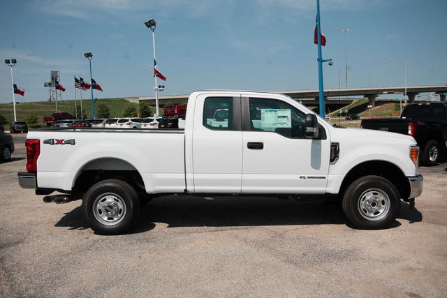 2017 F-250 Super Cab 4x4 Pickup #7255147 - photo 5