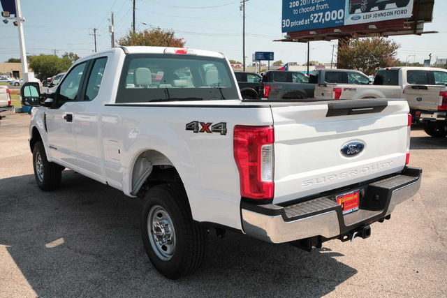 2017 F-250 Super Cab 4x4 Pickup #7255147 - photo 2