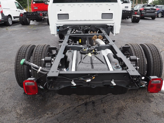 2017 F-550 Regular Cab DRW 4x4, Cab Chassis #5190 - photo 4
