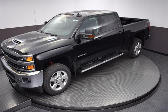 2018 Silverado 2500 Crew Cab 4x4,  Pickup #180991 - photo 19