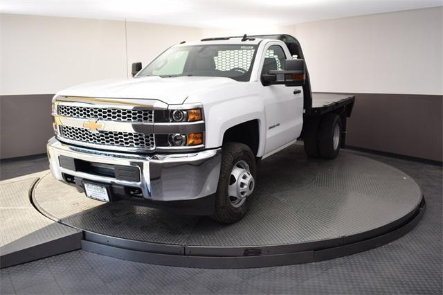 2019 Silverado 3500 Regular Cab DRW 4x4,  Knapheide Platform Body #190067 - photo 3