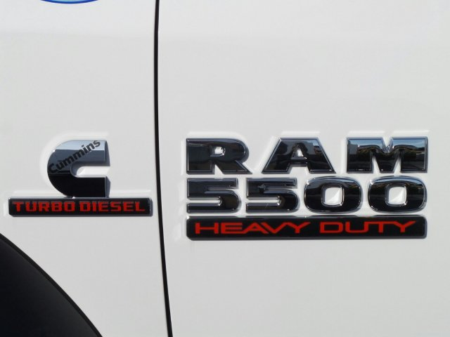 2017 Ram 5500 Regular Cab DRW, Cab Chassis #J284676 - photo 17