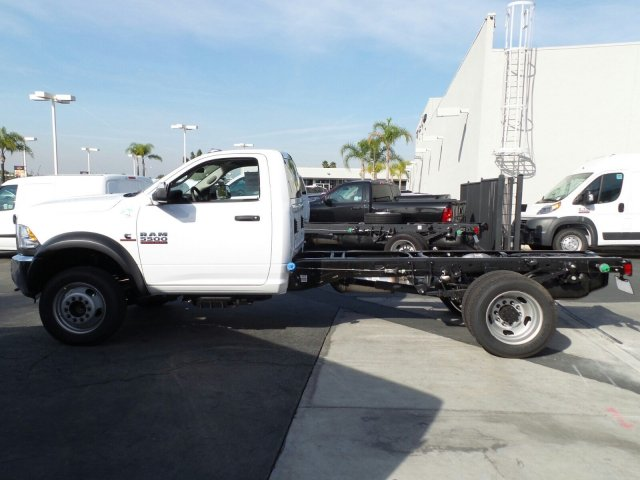 2017 Ram 5500 Regular Cab DRW, Cab Chassis #J284676 - photo 6