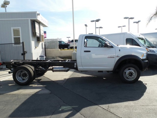 2017 Ram 5500 Regular Cab DRW, Cab Chassis #J284677 - photo 4