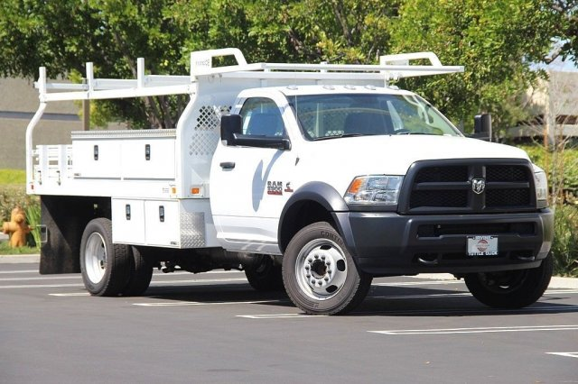 2017 Ram 5500 Regular Cab DRW 4x2,  Knapheide Contractor Body #J284677 - photo 3