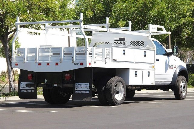 2017 Ram 5500 Regular Cab DRW 4x2,  Knapheide Contractor Body #J284677 - photo 2