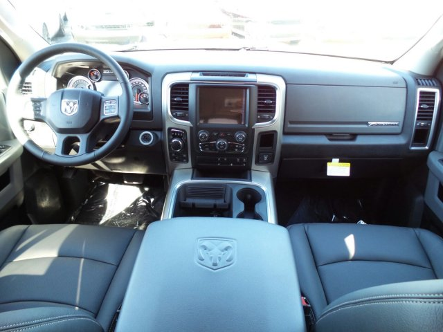 2017 Ram 1500 Crew Cab 4x4 Pickup #J285115 - photo 3