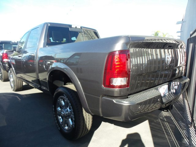 2018 Ram 2500 Crew Cab 4x4, Pickup #J287329 - photo 2