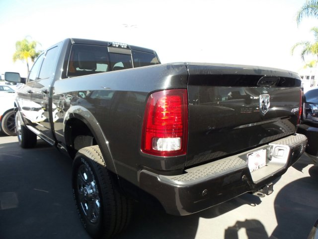 2018 Ram 2500 Crew Cab 4x4, Pickup #J287459 - photo 2