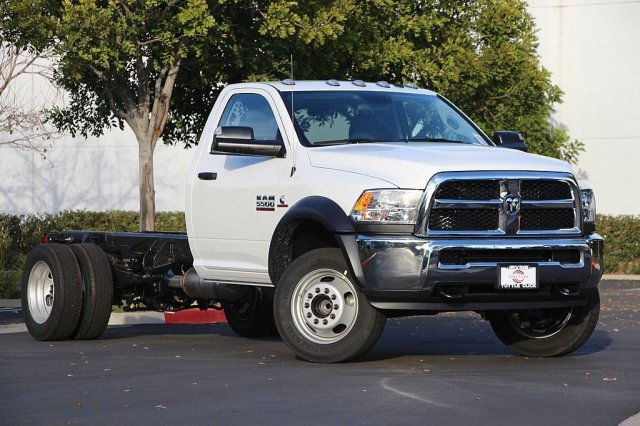 2018 Ram 5500 Regular Cab DRW 4x2,  Cab Chassis #JC291537 - photo 3