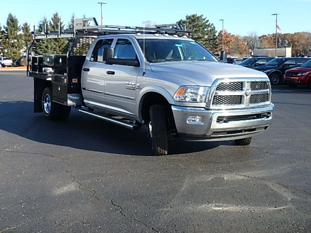 2017 Ram 3500 Crew Cab DRW 4x4, Contractor Body #17U1043 - photo 3