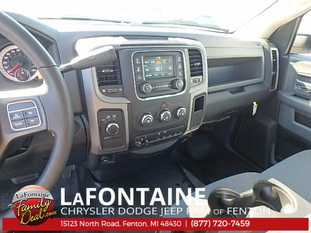 2017 Ram 4500 Regular Cab DRW 4x4 Service Body #17U1519 - photo 19
