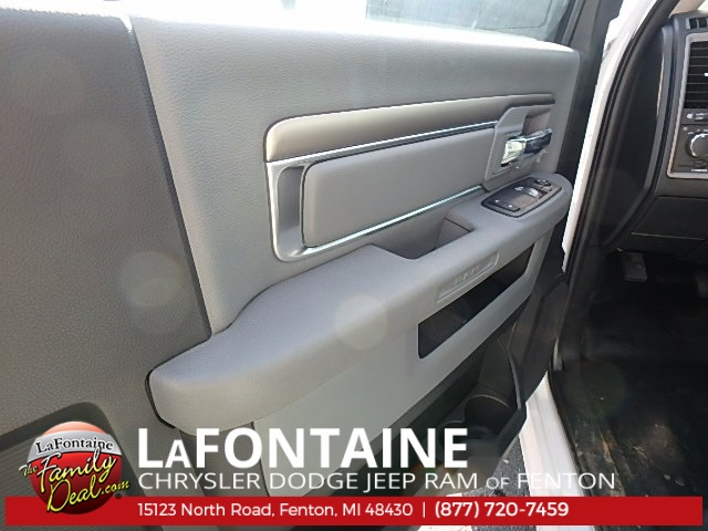 2017 Ram 3500 Regular Cab DRW 4x4, Dump Body #17U1623 - photo 11
