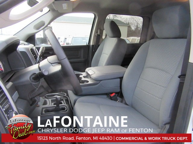 2017 Ram 5500 Crew Cab DRW 4x4, Knapheide Stake Bed #17U1729 - photo 5