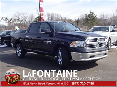 2018 Ram 1500 Crew Cab 4x4, Pickup #18U1200 - photo 4