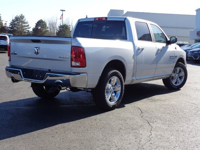 2018 Ram 1500 Crew Cab 4x4, Pickup #18U1561 - photo 4
