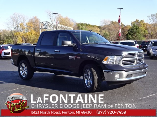 2018 Ram 1500 Crew Cab 4x4 Pickup #18U157 - photo 4