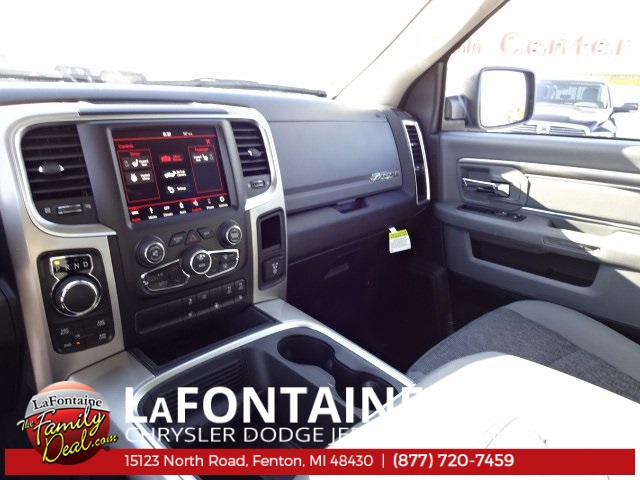 2018 Ram 1500 Crew Cab 4x4 Pickup #18U157 - photo 33